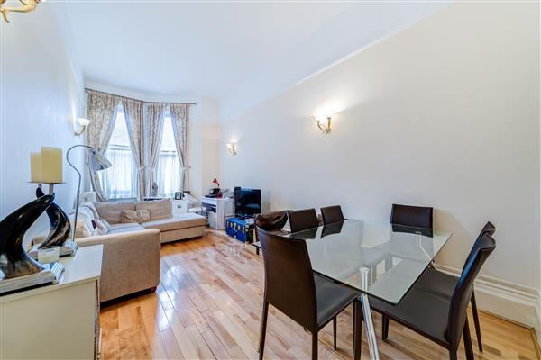 properties for sale 2 bedroom Apartment BRAMHAM GARDENS, CHELSEA, SW5