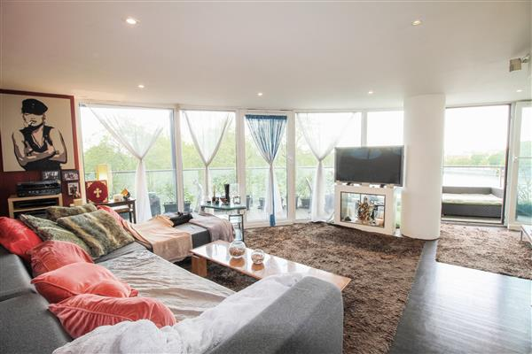 properties for sale 2 bedroom Apartment CHELSEA BRIDGE WHARF, BATTERSEA, SW11