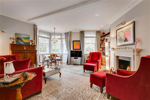 properties for sale 2 bedroom Apartment EMBANKMENT GARDENS, CHELSEA, SW3