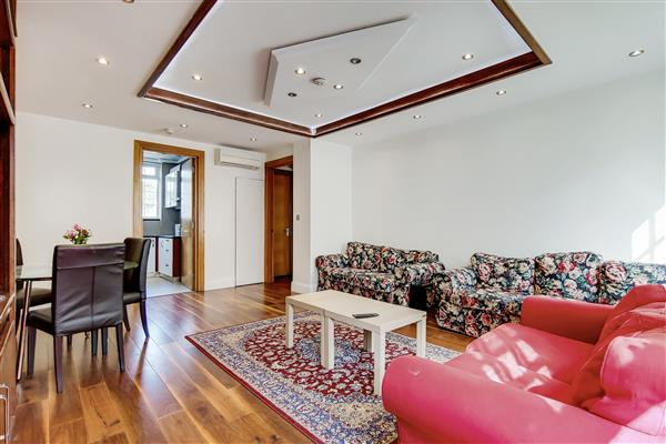 properties for sale 2 bedroom Apartment GROSVENOR COURT MANSIONS, MARBLE ARCH, W2