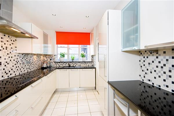 properties for sale 2 bedroom Apartment LOWNDES SQUARE, BELGRAVIA, SW1