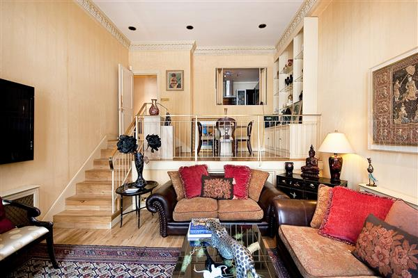 properties for sale 2 bedroom Apartment PRINCES GATE, SOUTH KENSINGTON, SW7