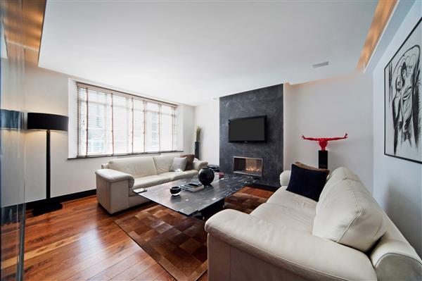 properties for sale 2 bedroom Apartment SLOANE STREET, KNIGHTSBRIDGE, SW1