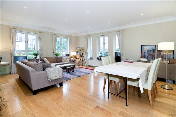 properties for sale 2 bedroom Apartment SYCAMORE LODGE, KENSINGTON GREEN, W8
