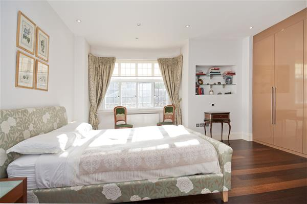 properties for sale 3 bedroom Apartment BROMPTON ROAD, KNIGHTSBRIDGE, SW3
