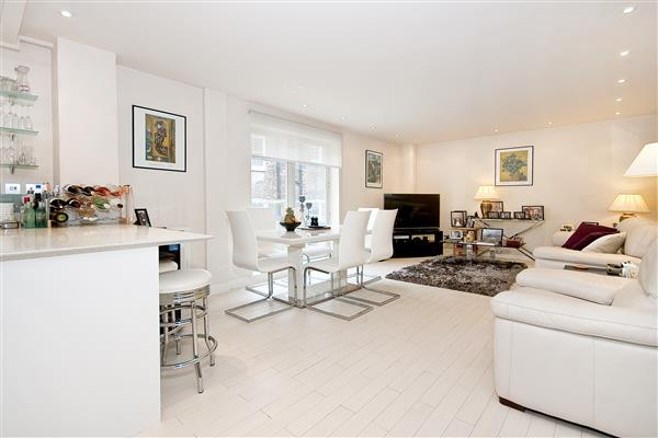 properties for sale 3 bedroom Apartment HAMPDEN GURNEY STREET, MARBLE ARCH, W1