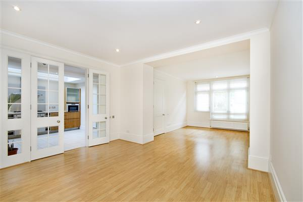 properties for sale 3 bedroom House ST MICHAELS MEWS, BELGRAVIA, SW1