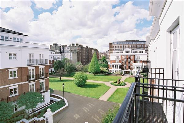 properties for sale 4 bedroom Apartment SYCAMORE LODGE, KENSINGTON GREEN, W8