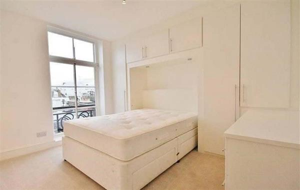 properties to rent 1 bedroom Apartment HERTFORD STREET, MAYFAIR, W1.