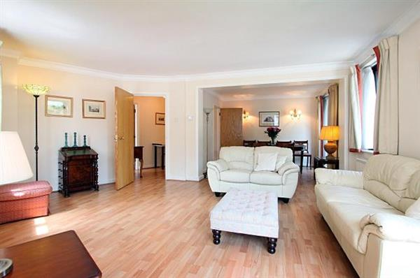properties to rent 1 bedroom Apartment PALACE GATE, SOUTH KENSINGTON LONDON, W8