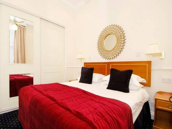 properties to rent 1 bedroom Serviced Apartment COLLINGHAM GARDENS, SOUTH KENSINGTON, SW5
