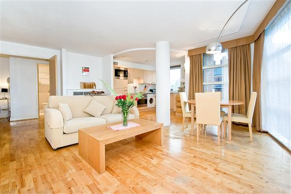 properties to rent 2 bedroom Apartment BUCKINGHAM PALACE ROAD, VICTORIA, SW1