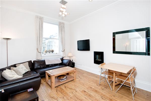 properties to rent 2 bedroom Apartment GLOUCESTER ROAD, SOUTH KENSINGTON, SW7