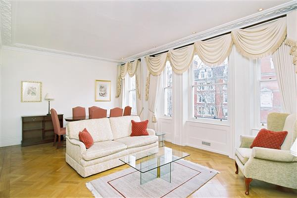 properties to rent 2 bedroom Apartment OBSERVATORY GARDENS, KENSINGTON, W8