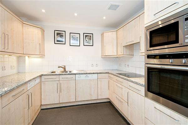 Properties to rent 2 bedroom apartment queens gate terrace for Queens gate terrace