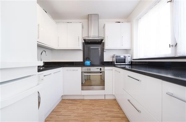 properties to rent 2 bedroom Apartment SOUTHWICK STREET, PADDINGTON, W2.