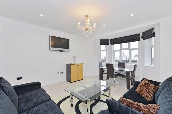 properties to rent 2 bedroom Apartment WELLINGTON COURT, ST JOHNS WOOD, NW8