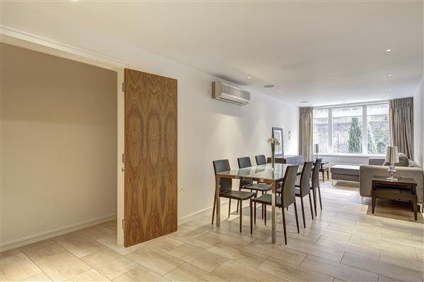properties to rent 2 bedroom Apartment YOUNG STREET, KENSINGTON, W8
