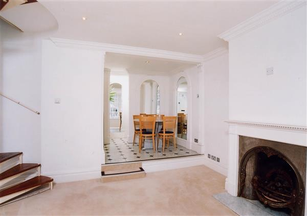 properties to rent 2 bedroom House POND PLACE, CHELSEA, SW3