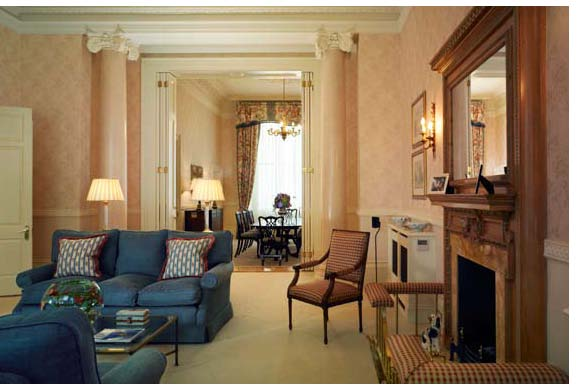 properties to rent 3 bedroom Apartment CHEVAL HYDE PARK GATE, KNIGHTSBRIDGE, SW7