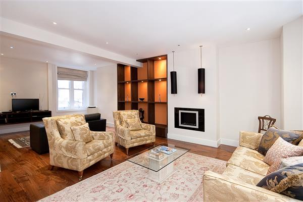 properties to rent 3 bedroom Apartment DRAYCOTT AVENUE, CHELSEA, SW3.