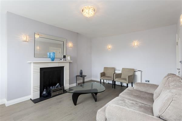 properties to rent 3 bedroom Apartment GLOUCESTER TERRACE, PADDINGTON, W2