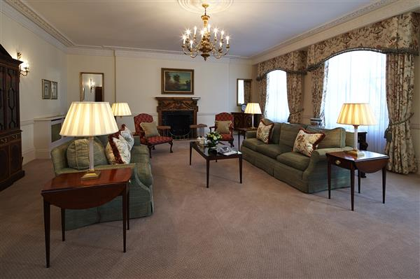 properties to rent 3 bedroom Apartment HYDE PARK GATE, KENSINGTON, SW7