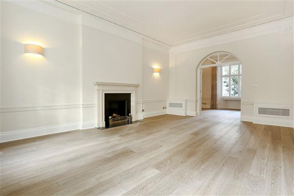 properties to rent 3 bedroom Apartment LOWNDES SQUARE, KNIGHTSBRIDGE, SW1X