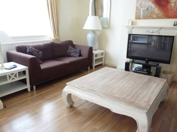 properties to rent 3 bedroom Apartment NEW CAVENDISH STREET, MARYLEBONE, LONDON W1
