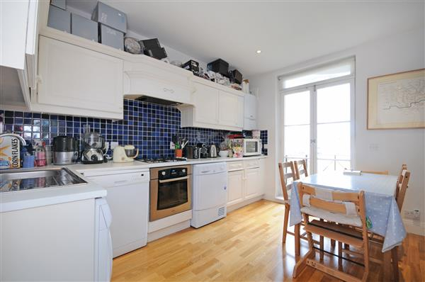 properties to rent 3 bedroom Apartment RANDOLPH AVENUE, MAIDA VALE, W9.