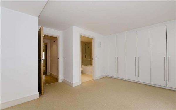 properties to rent 3 bedroom Apartment RICHBOURNE COURT, HARROWBY STREET, W1.