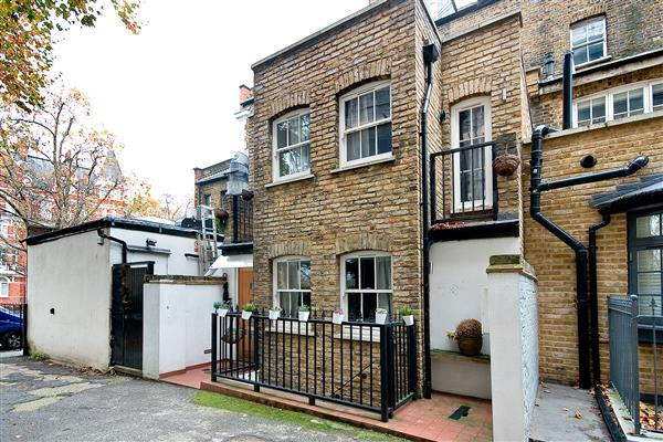 properties to rent 3 bedroom House CALLARD CLOSE, LITTLE VENICE, W2