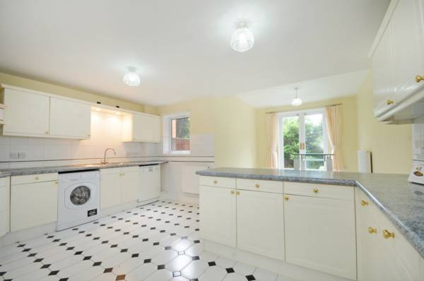 properties to rent 3 bedroom House HONEYMAN CLOSE, BRONDESBERY PARK, NW6