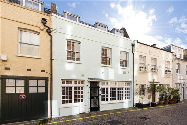 properties to rent 3 bedroom House PRINCES GATE MEWS, SOUTH KENSINGTON, SW7