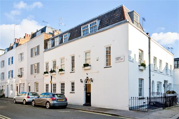 properties to rent 3 bedroom House RUTLAND STREET, KNIGHTSBRIDGE, SW7