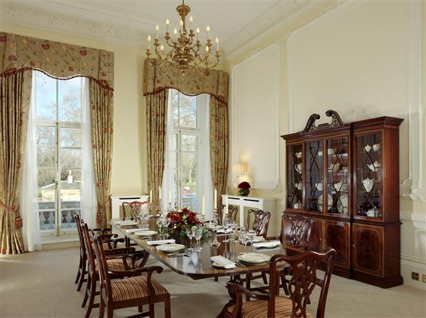 properties to rent 3 bedroom Serviced Apartment CHEVAL HYDE PARK GATE, KNIGHTSBRIDGE, SW7
