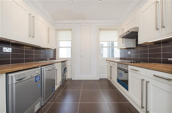 properties to rent 4 bedroom Apartment HYDE PARK MANSIONS, MARYLEBONE, NW1