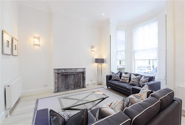 properties to rent 4 bedroom Apartment LEXHAM GARDENS, KENSINGTON, W8