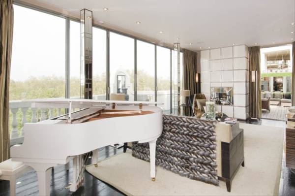 properties to rent 6 bedroom Apartment WELLINGTON COURT, KNIGHTSBRIDGE, SW1
