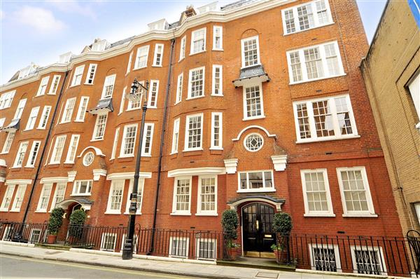 properties to rent 1 bedroom Apartment CARRINGTON STREET, LONDON, W1.