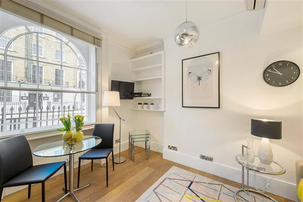 properties to rent Studio Serviced Apartment GLOUCESTER PLACE, MARYLEBONE, NW1.