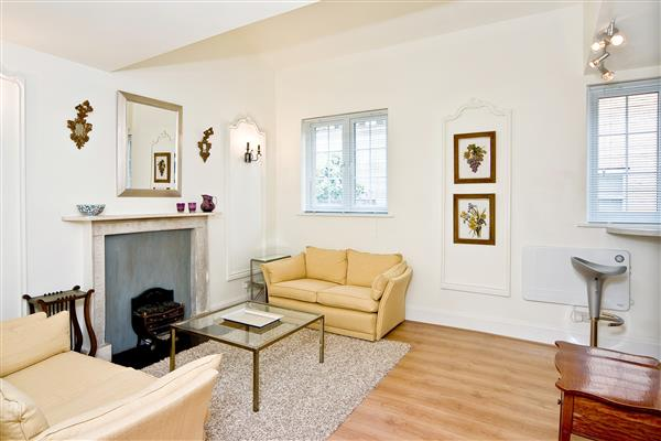 properties to rent Studio Apartment BEAUCHAMP PLACE, KNIGHTSBRIDGE, SW3