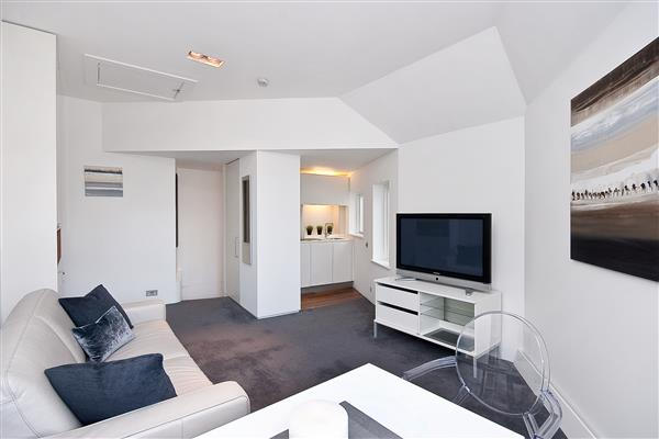 properties to rent Studio Apartment PONT STREET, KNIGHTSBRIDGE,  SW1